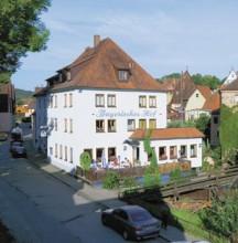 Bayerischer Hof, an der Stadtmauer mit eigenem Kräutergarten